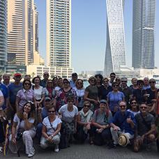 Foto di gruppo viaggio a Dubai